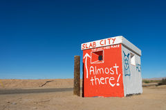 Building marking the entry to slab city california Royalty Free Stock Photography