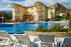 Building of modern hotel. Fine vacation spot. Royalty Free Stock Photos