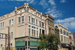 Free Building On A Corner In Downtown Paducah Royalty Free Stock Photo - 156444375