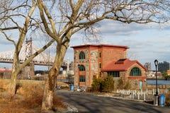 Building on Roosevelt Island, NY Royalty Free Stock Photography
