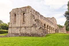Buildwas abbotskloster, Shropshire, England royaltyfri bild