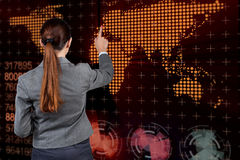 Buinesswoman in globaal bedrijfsconcept Royalty-vrije Stock Fotografie