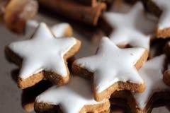 Buiscuits do Natal - estrelas Fotografia de Stock