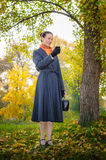 Buisiness Woman with Phone Royalty Free Stock Photography