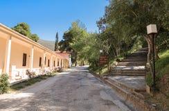 Buiten Archeologisch museum in Epidaurus, de regionale eenheid van Argolis, de Peloponnesus, Griekenland stock afbeelding