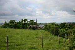 Buiten de stad - landelijk landschap Stock Afbeeldingen