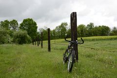Buiten de stad - landelijk landschap Royalty-vrije Stock Afbeelding