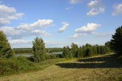 Buiten de stad - landelijk landschap Stock Fotografie