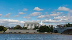 Buitendiemening van Lincoln Memorial Monument van de Pot wordt gezien Stock Fotografie