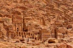Buitengewone Koninklijke Graven in Petra stock fotografie