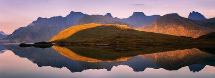 Buitengewoon panorama van Lofoten-Eilanden, Noorwegen Stock Foto
