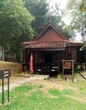 Buitenkant van antiek Etnisch Maleisisch Kedah-huis royalty-vrije stock afbeelding