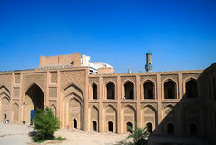Buitenkant van beroemde Universiteit al-Mustansiriya en Madrasah, Bagdad Irak royalty-vrije stock foto's