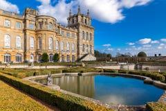 Buitenkant van Blenheim-paleis in Oxfordshire, het UK royalty-vrije stock foto's