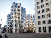 Buitenkant van de futuristische bouw Neuer Zollhof Stock Fotografie