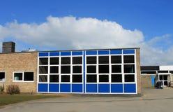 De moderne de middelbare schoolbouw Stock Afbeelding