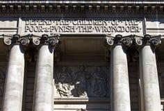 Buitenkant van de Oude Vestingmuur in Londen Stock Foto's