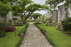 Buitenkant van de ruïnes van de Santiago Apostol-kathedraal in Cartago, Costa Rica Stock Afbeeldingen