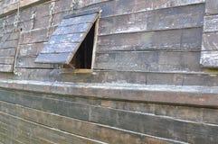 Buitenkant van een raad van het houten schip royalty-vrije stock afbeeldingen