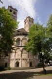 Buitenkant van een Romaanse kerk Stock Foto