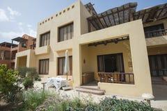 Buitenkant van een villa van de luxe tropische vakantie Stock Foto