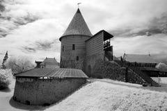 Buitenkant van het Barbacan-bastion van de oude stad van Vilnius, Lit Stock Afbeeldingen