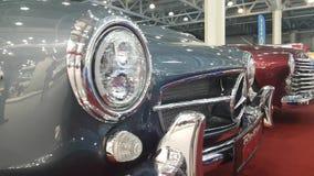 Buitenkant van het Duitse Klassieke Voertuig Mercedes-Benz stock video