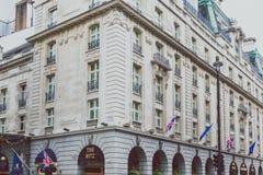 Buitenkant van het Ritz London-hotel stock foto