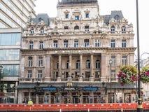 Buitenkant van het Theater van Haar Majesteit op Haymarket in Londen Stock Foto