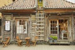 Buitenkant van het traditionele houten gebouw in Bergen, Noorwegen Stock Foto