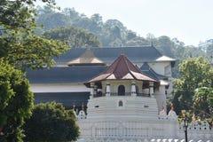 Buitenkant van Tempel van het Heilige Tandoverblijfsel Stock Foto