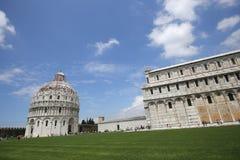Buitenkanten van de Doopkapel van Pisa, Pisa, Italië Royalty-vrije Stock Foto