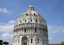 Buitenkanten van de Doopkapel van Pisa, Pisa, Italië Stock Afbeeldingen