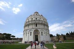 Buitenkanten van de Doopkapel van Pisa, Pisa, Italië Stock Fotografie