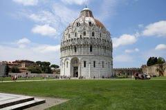 Buitenkanten van de Doopkapel van Pisa, Pisa, Italië Royalty-vrije Stock Foto's