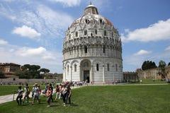 Buitenkanten van de Doopkapel van Pisa, Pisa, Italië Stock Afbeelding