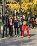 Buitenlandse studenten op de universiteit van Sichuan, China Stock Afbeelding