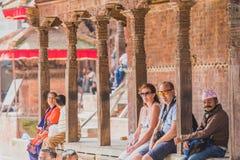 Buitenlandse Toeristen, Reiziger bij het Vierkant van Katmandu Durbar in Nepal stock foto's