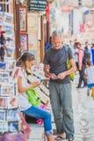 Buitenlandse Toeristen, Reiziger bij het Vierkant van Katmandu Durbar in Nepal royalty-vrije stock afbeeldingen