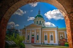 Buitenmening aan het Onthoofden van St John de Doopsgezinde kathedraal in het Kremlin van Zaraysk, het gebied van Moskou, Rusland stock afbeelding
