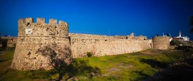 Buitenmening aan Otello Castle in Famagusta, Cyprus stock foto's
