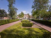 Buitenmening van de Herdenkingsbibliotheek van Doheny van USC royalty-vrije stock foto