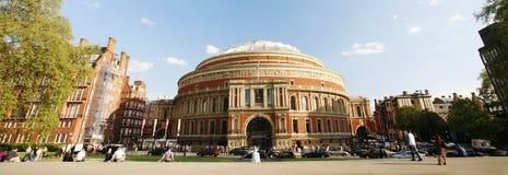 Buitenmening van Koninklijk Albert Hall op zonnige dag Royalty-vrije Stock Afbeelding