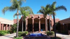 Buitenmening van Loma Linda Chamber van Handel stock video