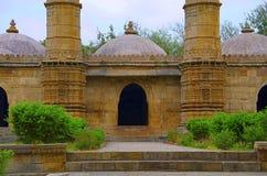 Buitenmening van Sahar ki masjid Het Unesco beschermde Archeologische Park van Champaner - van Pavagadh, Gujarat, India Stock Afbeelding