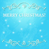 Buitensporig overladen kader met tekst vrolijke Kerstmis bij blauwe achtergrond met dalende sneeuw en het gloeien lichten Stock Foto's
