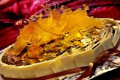 Buitensporige chocoladecake royalty-vrije stock afbeelding