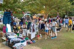 Buitensporige moderne met de hand gemaakte markt in Baan Kang Wat in Chiang Mai Stock Foto