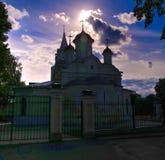 Buitenzonsondergangmening aan de Kerk van de Conceptie van John The Baptist, Kolomna, het gebied van Moskou, Rusland royalty-vrije stock foto's