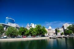 Bukarest - Dambovita-Fluss Stockfotografie